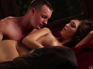 Busty Holly Michaels gives a perfect blowjob