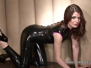Astounding and eye catching latex whore is approachable for boasting off her booty