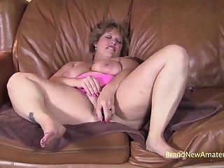 Chubby MILF Amateur Heather Blowjob Video