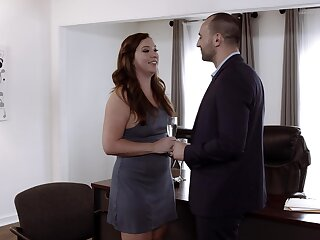 Curvy woman shares unique consent to on cam