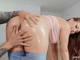 Keester fucks mommy and cums inner her mouth