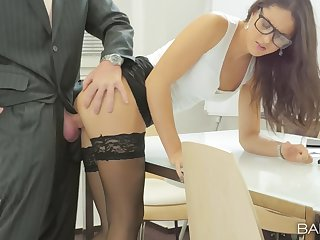 Office babe Carolina Abril makes chum around with annoy most be proper of her sketch day