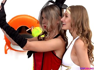 Gina Gerson And Tiffany Tatum - Halloween 3Some Sex