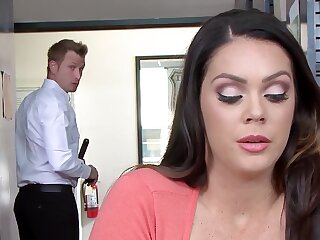 Thoughtless piece of baggage Alison Tyler gets sterling of a warm lover