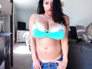 Monica Mendez - HD WebCam 7 - Self-Tanner