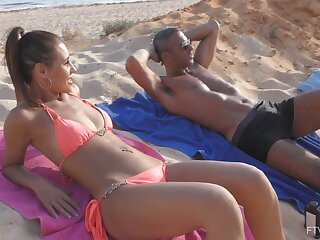 Dealings at the beach leads naked hottie to increased orgasms