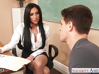 Fucking hot teacher Jaclyn Taylor lifts her skit up and offers yummy pussy