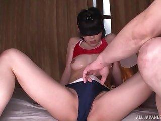 Blindfolded petite Japanese babe Nishihara Yuu gets a huge facial