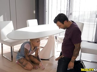 Kinky tattooed Bonnie Rotten loves getting her pussy and ass driled