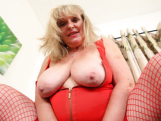 UK gilf Alisha Rydes lets us appreciate will not hear of old but willing trumped up
