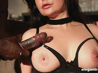 Roasting mature slut Mariska sprayed with cum in an interracial gangbang