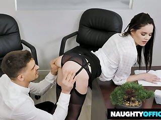 Whorish secretary Jenna J Ross gets her pussy nailed pertinent in slay rub elbows with office