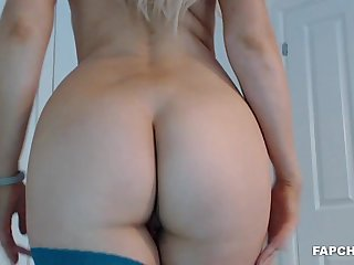 Hottie Blond Mother I´d Like To Fuck Pleasuring Herself - self-gratification