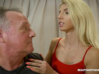 Interesting Missy Luv gets her pussy pleased in numerous manners at the end of one's tether a dude