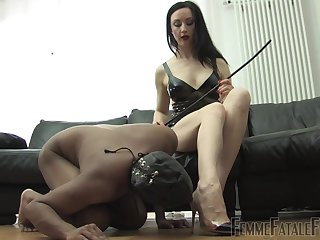Medial Lady Mephista wants to punish her lover with BDSM sex game
