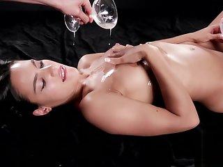 Sperm Mania Apolonia Lapiedra Uses Her Sperm Covered Hands