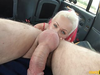 Fucking in a taxi was a total thrill ride for ball-licking Cindy Sun