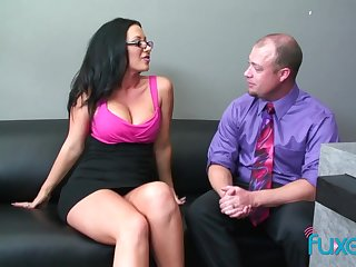 Dude welcomes the new unsubtle in the designation coupled with fucks her pussy good
