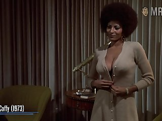 Awesome nude body flashing far such a well known actress Pam Grier