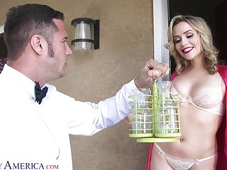 Hot blondie with in flames lips Mia Malkova seduces along to room service guy